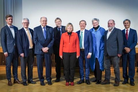 Verleihung der Goldenen Ehrennadel.