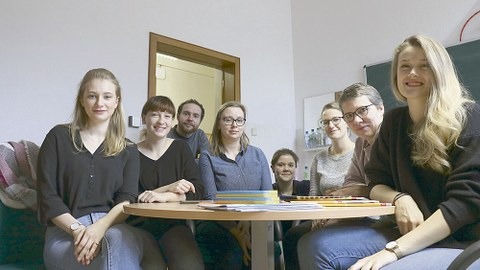 Dieses Projektteam der TU Dresden unterstützt an zwei Vormittagen in der Woche Kinder in der 139. Grundschule Dresden-Gorbitz.