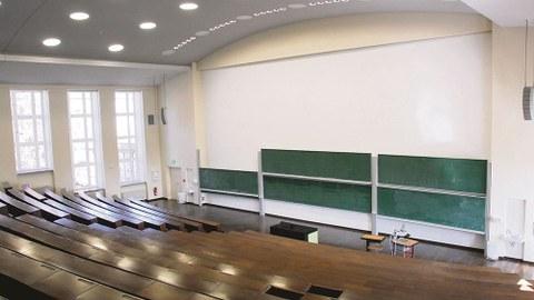 Leerer_Hörsaal_Treffz_Bau