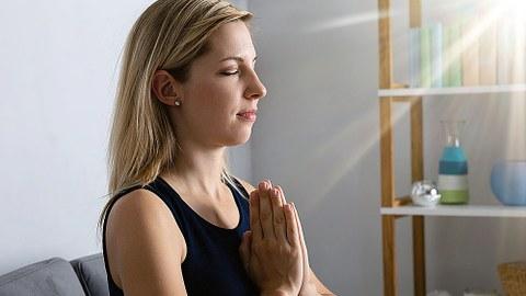 Meditierende Frau.