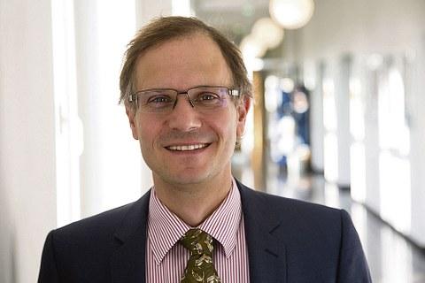 Porträt Prof. Jochen Schmitt.