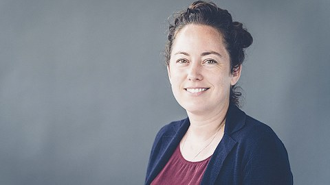Porträt von Dr. Adele Doyle.