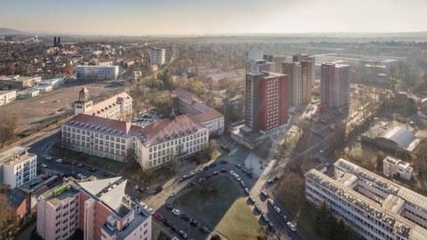 Luftaufnahme von Dresden mit Blick auf den Weberplatz und Studentenwohnheime