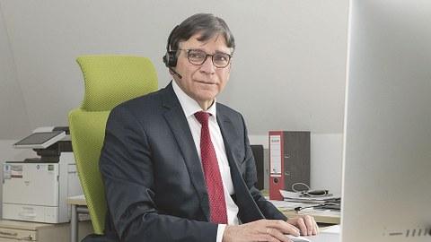 Der Chief Officer Technologietransfer und Internationalisierung (CTIO), Prof. Ronald Tetzlaff.