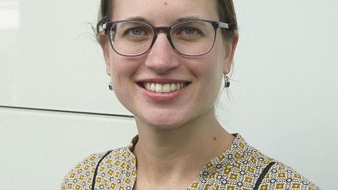 Dr. Nayla Fawzi.