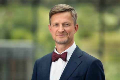 Portrait Dr. Handschuh Kanzler