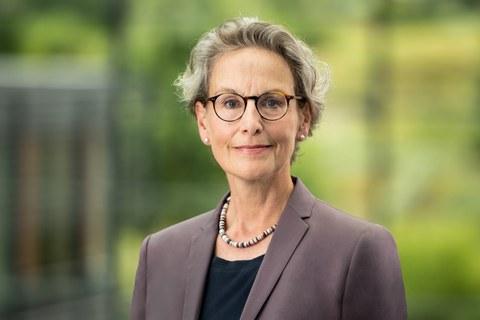 Frontaufnahme der Rektorin Prof. Ursula M. Staudinger