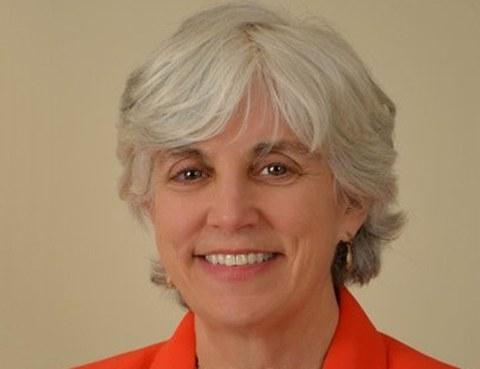 Porträt Prof. Alison Flatau