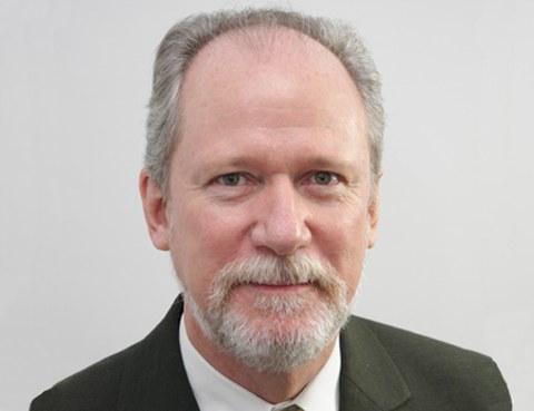 Porträt Prof. Klaus Schützer