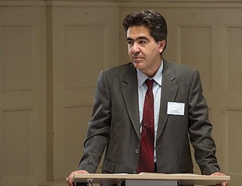 Porträt Dr. Amir Sepanji