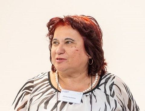 Portrait photo Prof. Angela Slavova