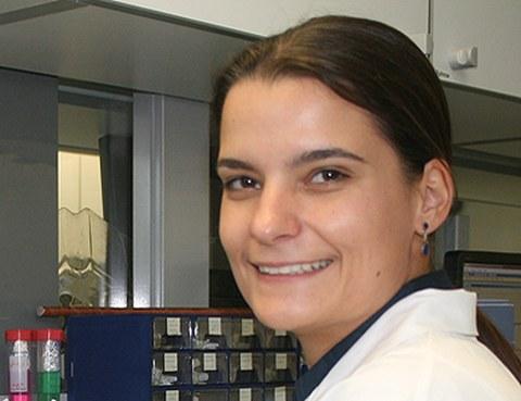 Porträt Dr. Carolin Hauser