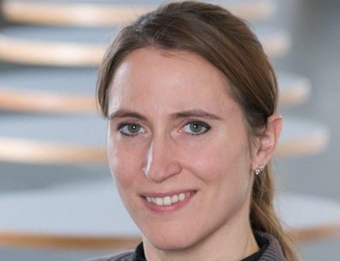 Porträt Dr. Sina Ober-Blöbaum