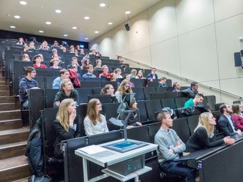 Publikum OFP-Veranstaltung Chemie studiert und dann?