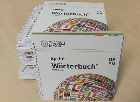 Stapel SprInt-Wörterbuch