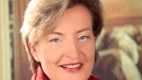Porträt von Prof. Cornelia Wustmann
