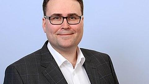 Dr. Julian Thiele