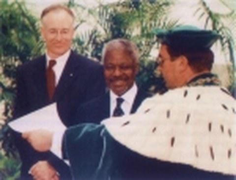 UN-Generalsekretär Kofi Annan wird Ehrendoktor