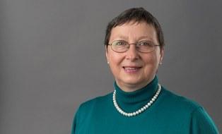 Zu sehen ist ein Porträtfoto der Studienberaterin Katarina Stein.