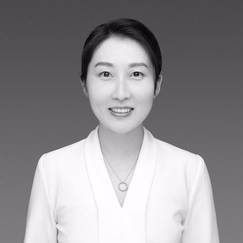 Portrait photo Dr. Yiquan Shi