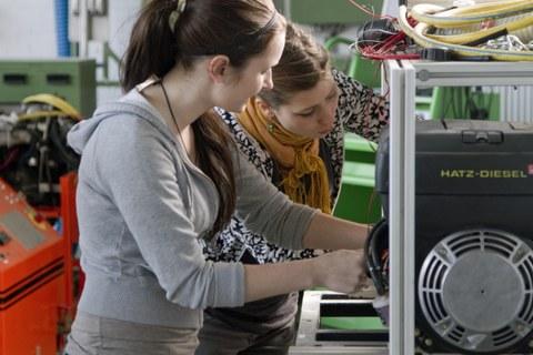Frauen im Maschinenwesen