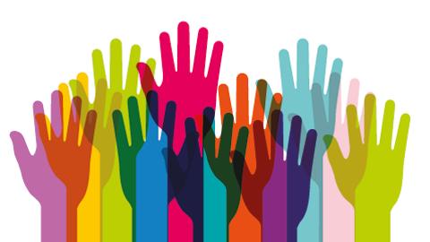 grafische Darstellung vieler bunter Hände, die nebeneinander angeordnet und nach oben gestreckt sind