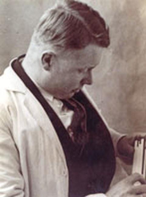 Dr. Wilhelm Vauck