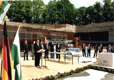 Grundsteinlegung für die Sächsische Landes- und Universitätsbibliothek im Mai 1999