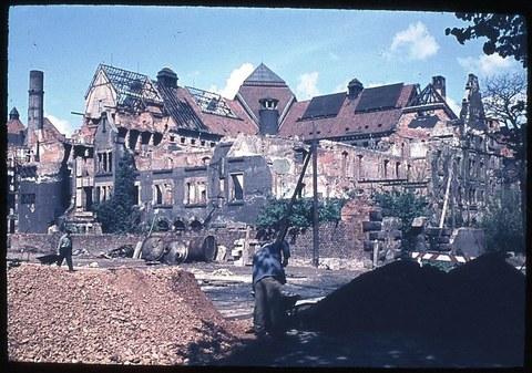 Das ehemalige Landgerichtsgebäude zerstört etwa um 1956/57. Heute Hülsse-Bau.
