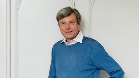 Dr. Matthias Lienert