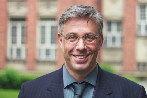 Portraitfoto von Stefan Robel